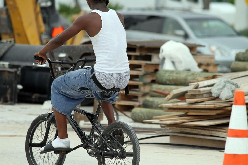 Sagger on a bike